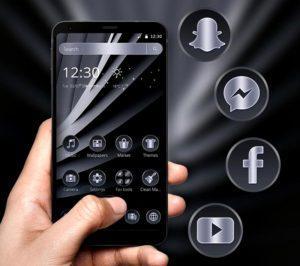 Тёмная Тема на экране смартфона с Папками